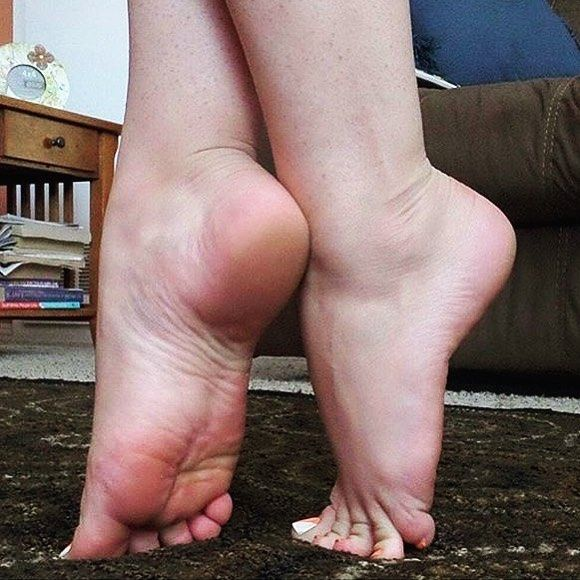 sexy high arched feet pics