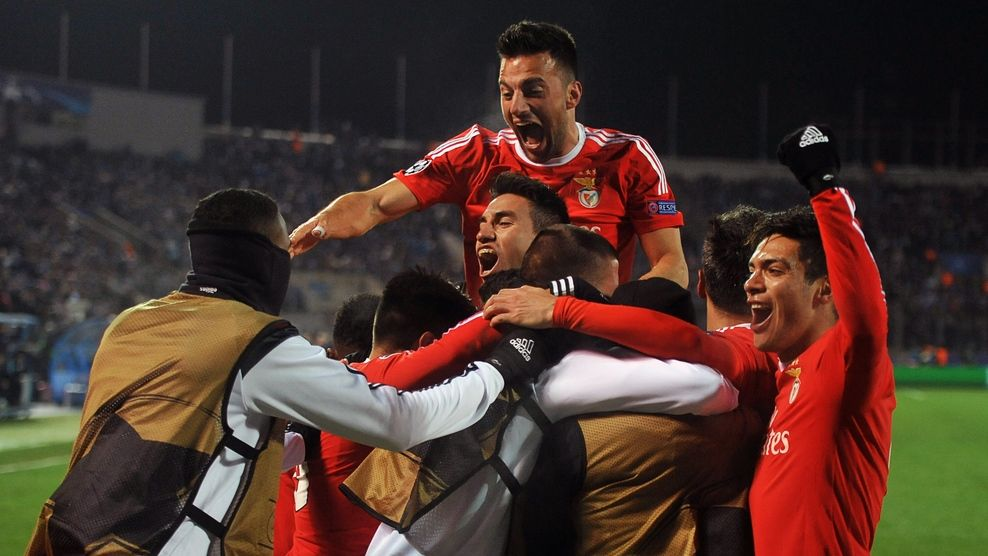 Benfica alcanzó los cuartos de final de la Champions   Deportes ...