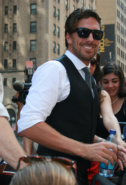 Henrik Lundqvist That Screen God Smile An Nhl Contract Worth 41