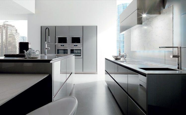 Moderne einbauküchen  Minimalistisches Küchendesign - grifflose Fronten und Einbautechnik ...