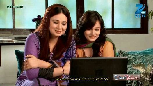 Dilshad & Najma watching Zoya's mothers day video