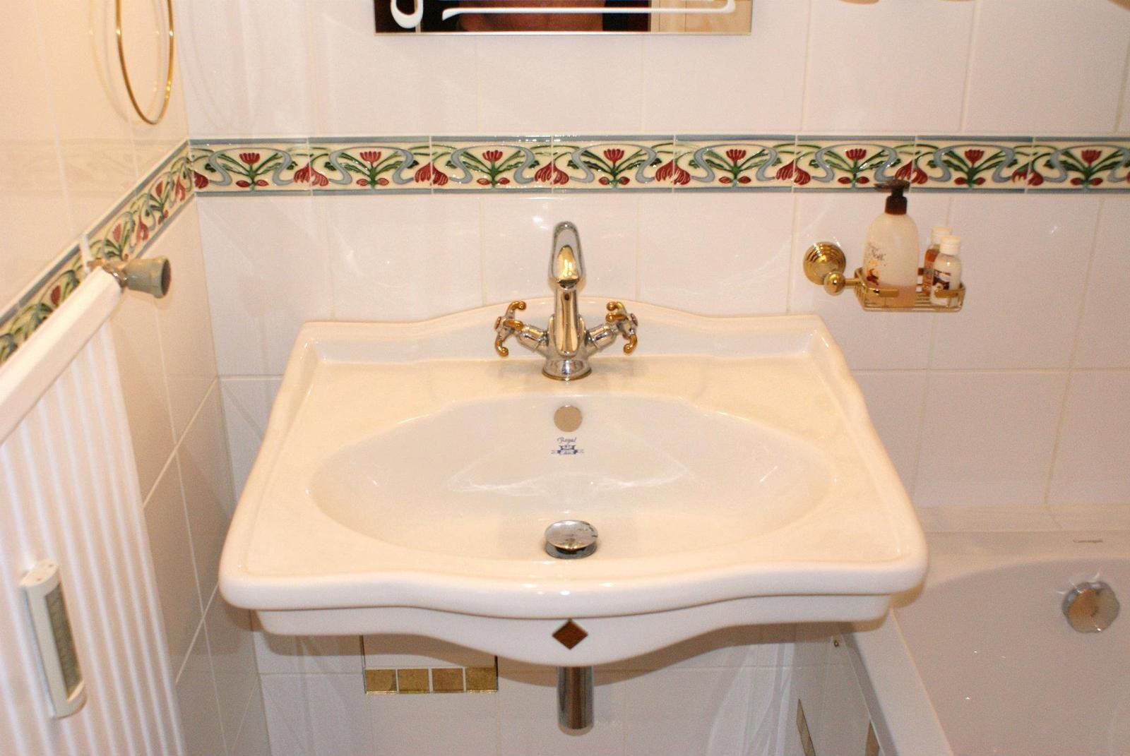 Badezimmer Fliesen Jugendstil Jugendstil Badezimmer Google Mekl