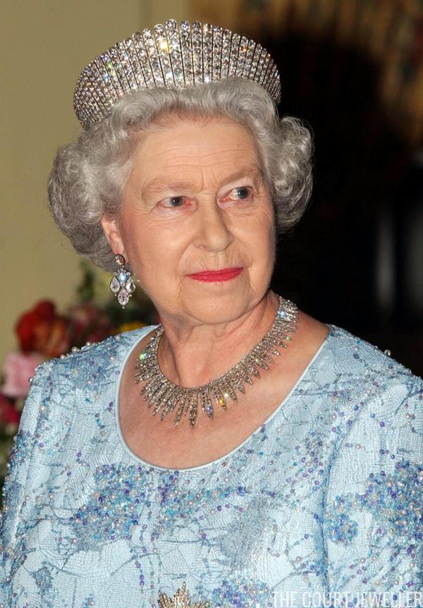 The Court Jeweller Queen Elizabeth Jewels Queen Elizabeth Queen Jewelry
