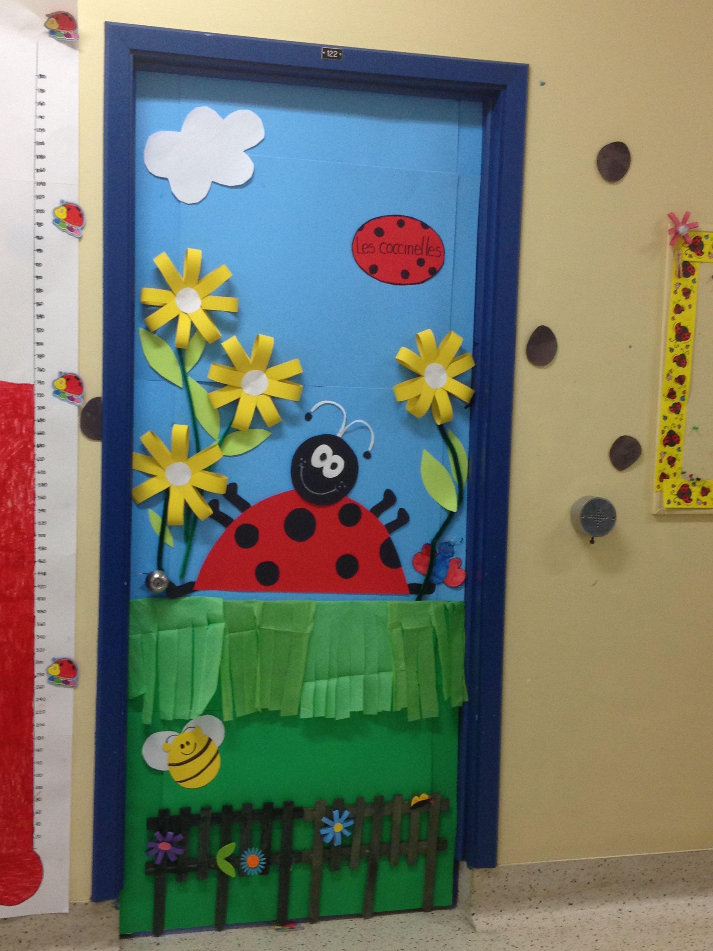 Primavera primavera puertas decoradas adornando la for Decoracion puerta aula infantil