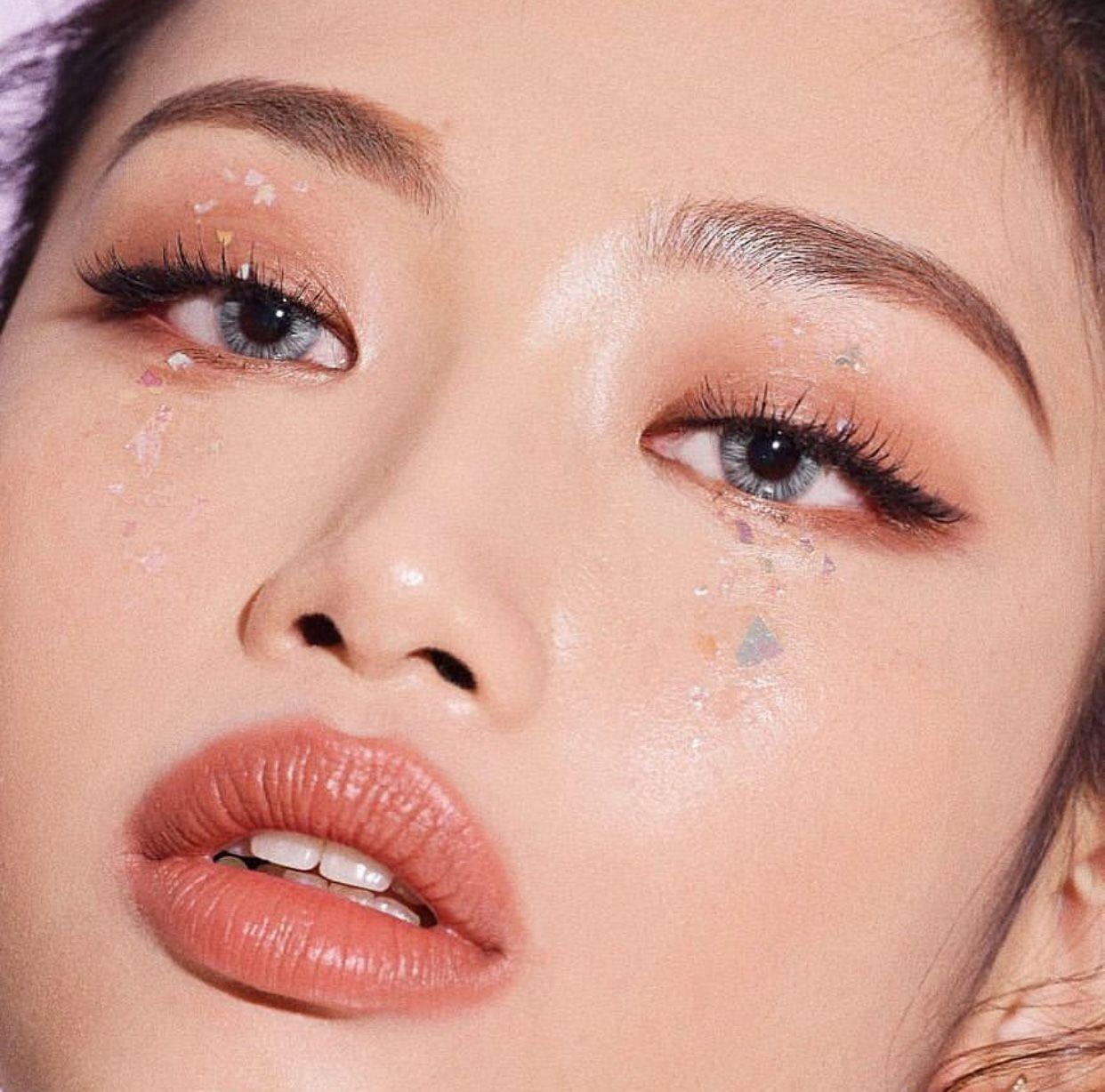 Korean style makeup 💄 Bling makeup, Monolid makeup