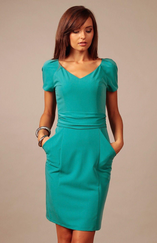 e113f7d8315 Petite robe turquoise charmante et polyvalente.