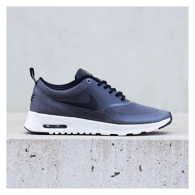 huge selection of 2ec50 a2a43 Nike Air Max Thea
