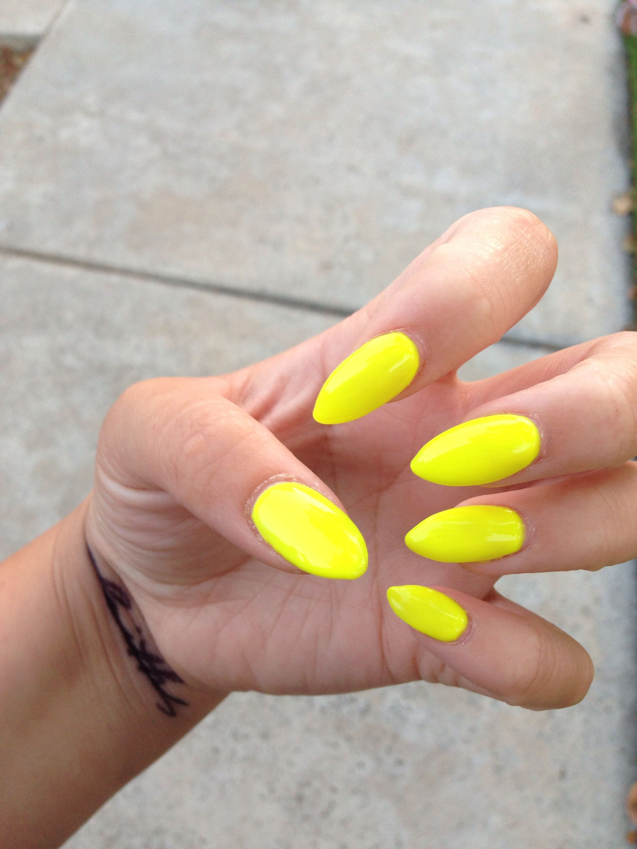 Nails meet Summer.