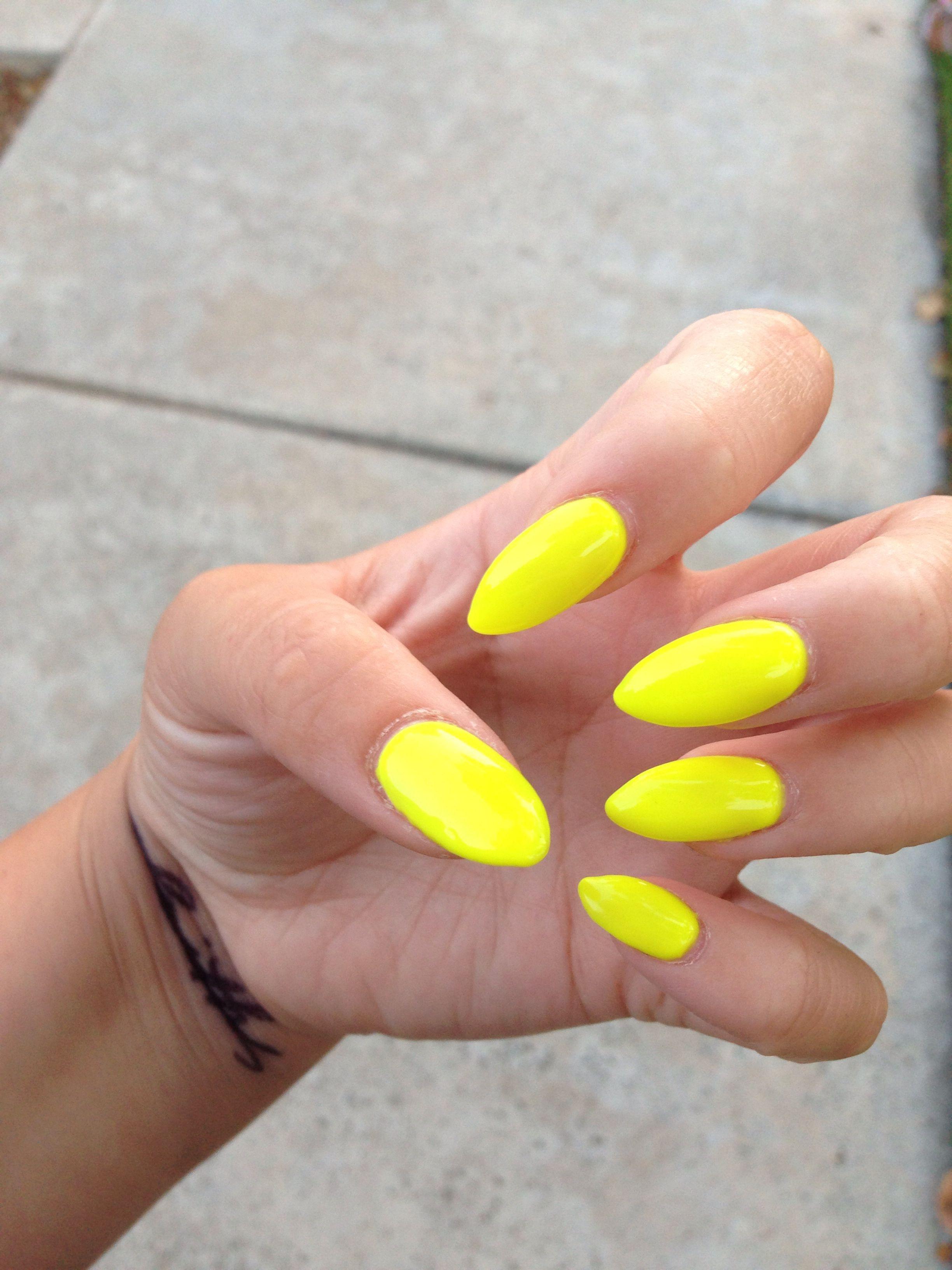 Nails meet Summer.