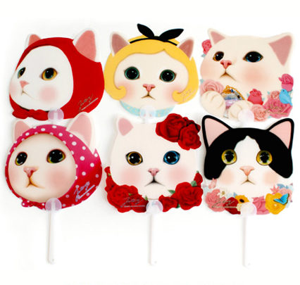 Kitty Handy Fan - must give one of these to Asagi from D if I ever meet him again XD probably the one with roses LOL