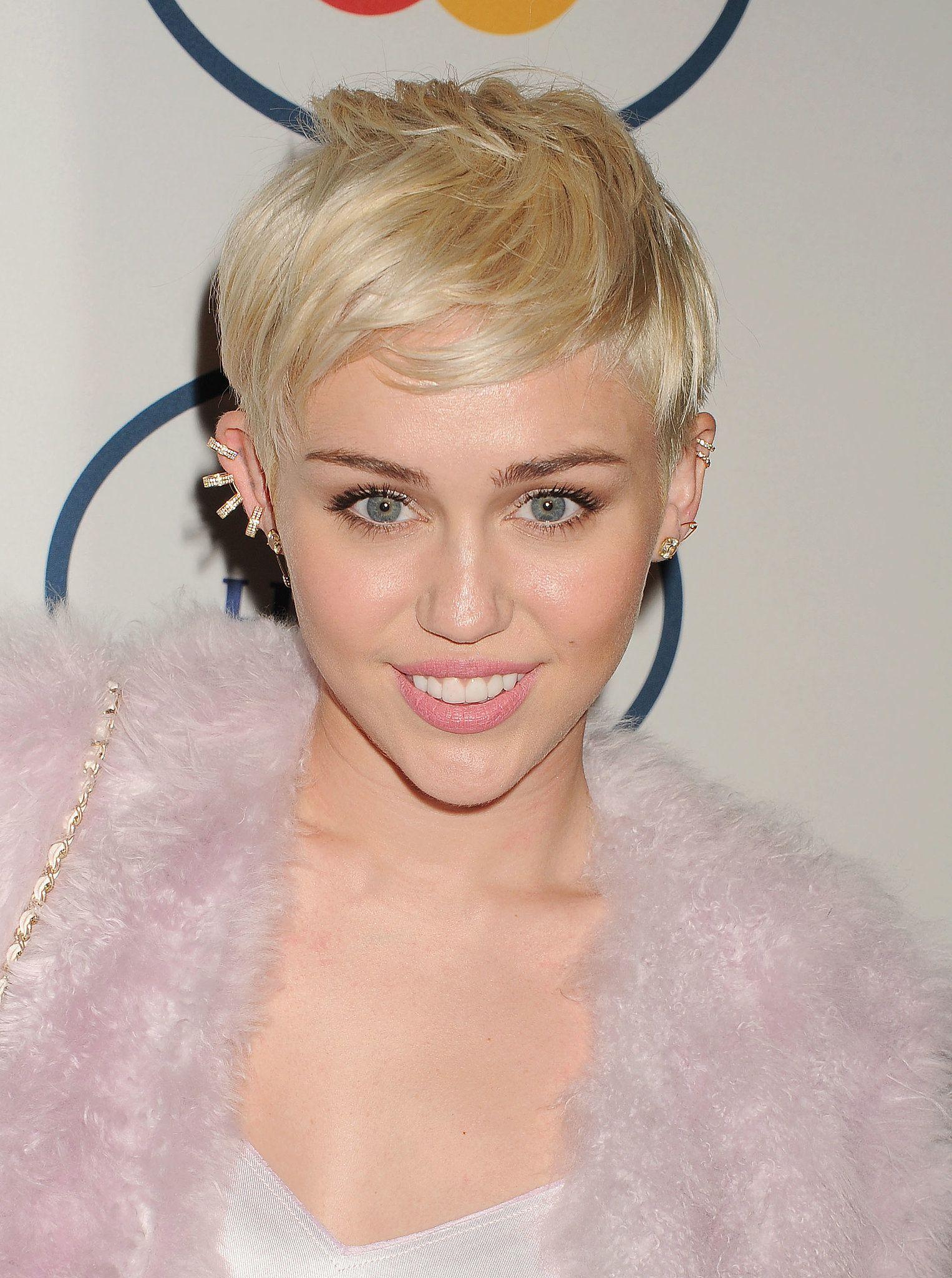 Miley Cyrus Miley Cyrus Cheveux, Coiffure et Maquillage
