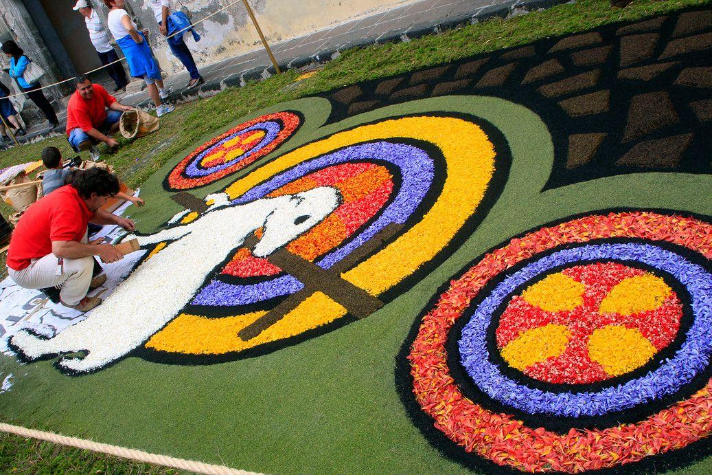 Diferentes diseños y motivos para las alfombras - Corpus Christi, La