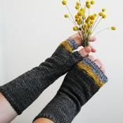 Maroo Mitts - via @Craftsy