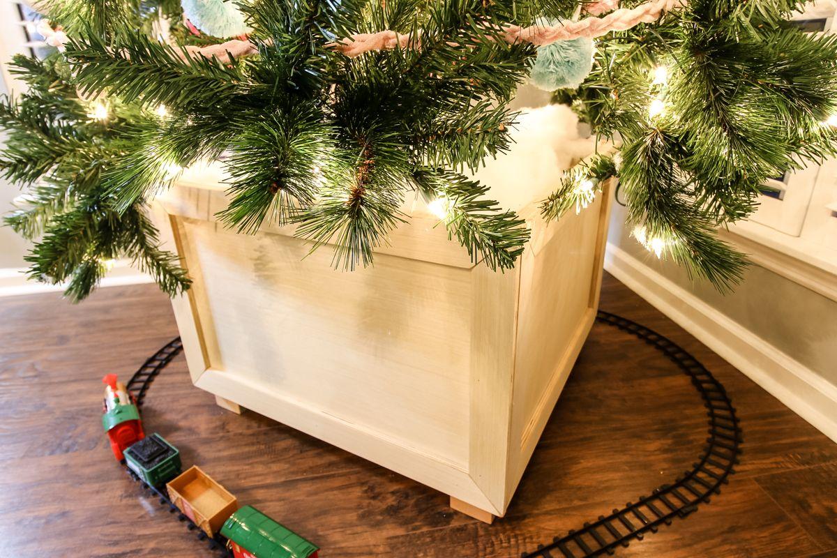 DIY Christmas Tree Box Stand Free, easy plans! Diy