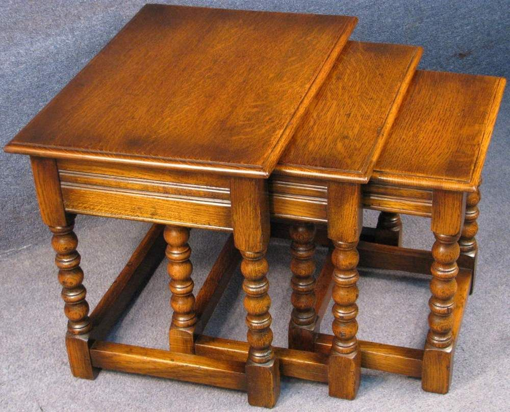 G T Rackstraw Period Style Solid Oak Nest Of 3 Coffee Occasional