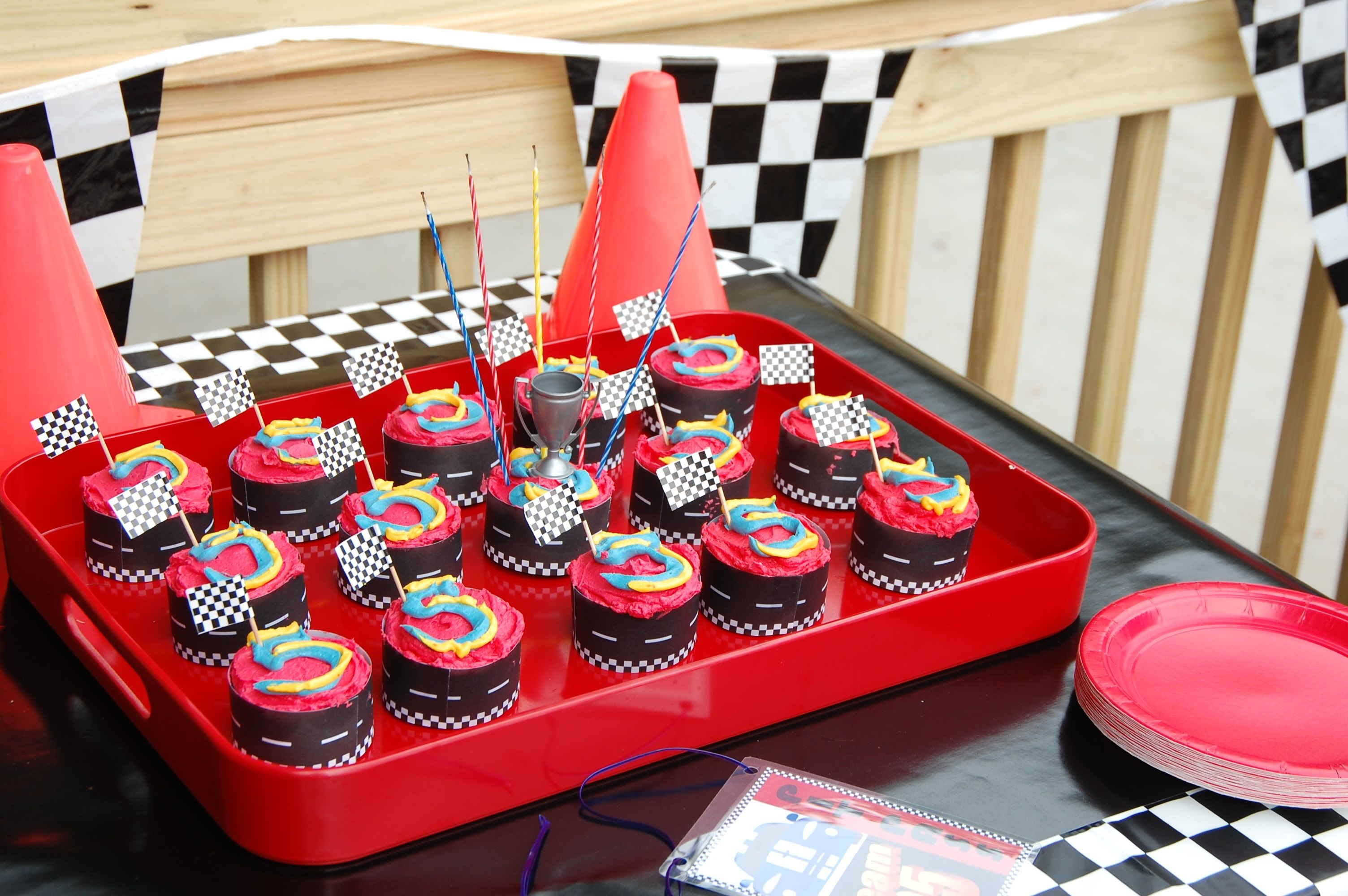 race car party cupcakes kids birthday party ideas pinterest