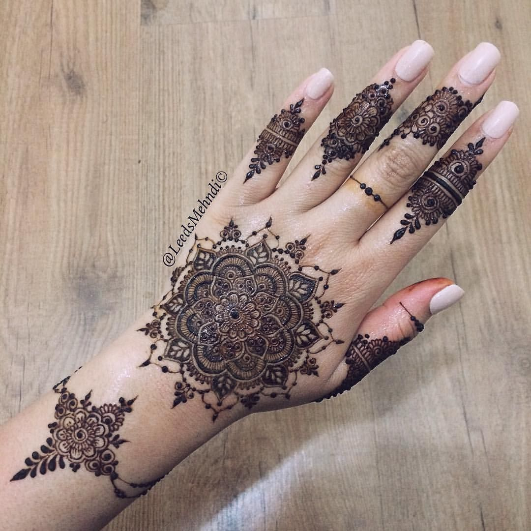 Traditional Henna Tattoo: Traditional Henna Designs, Henna