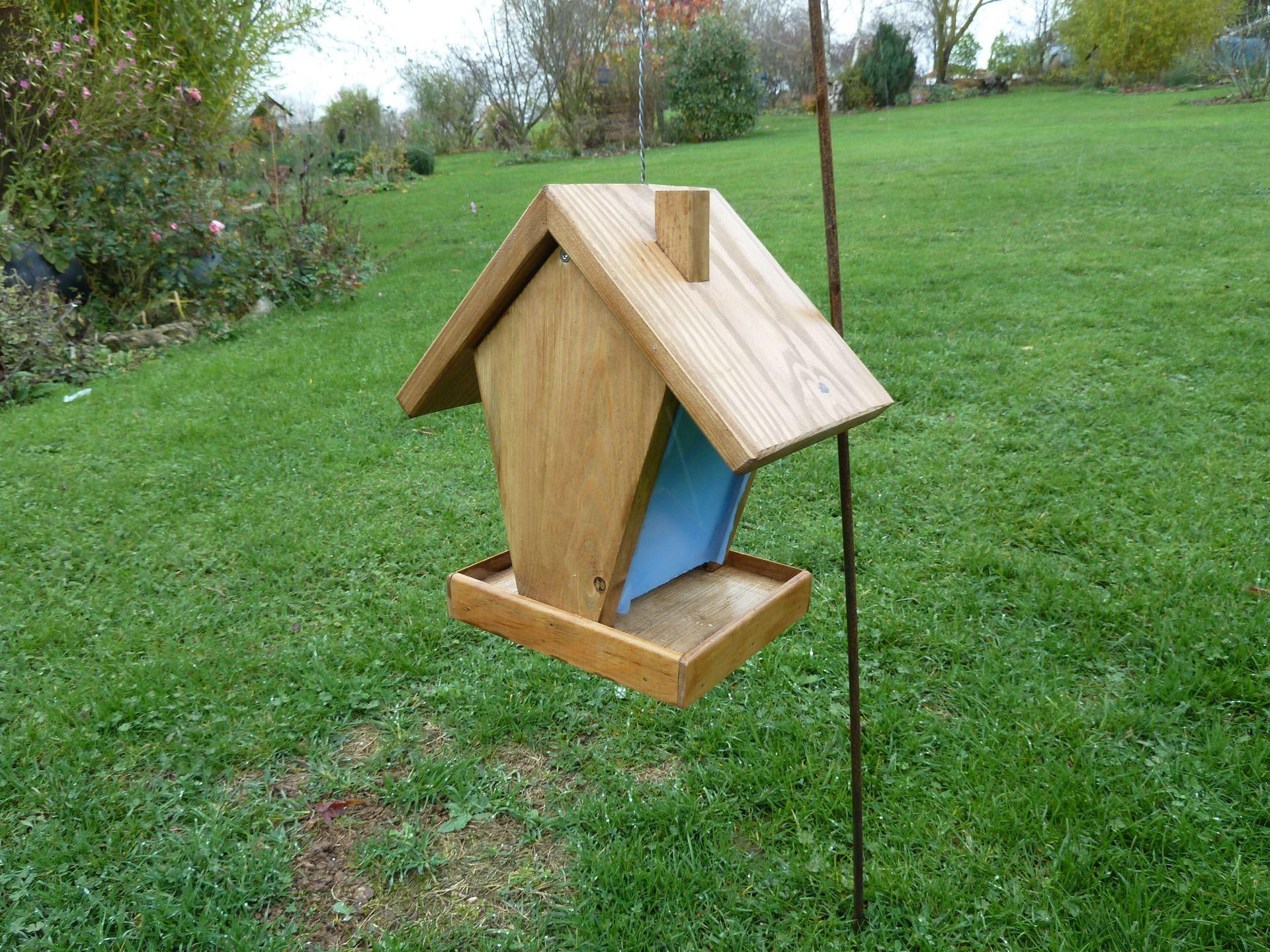 mangeoire pour oiseaux accessoires de maison par peps et top cabane oiseau pinterest. Black Bedroom Furniture Sets. Home Design Ideas