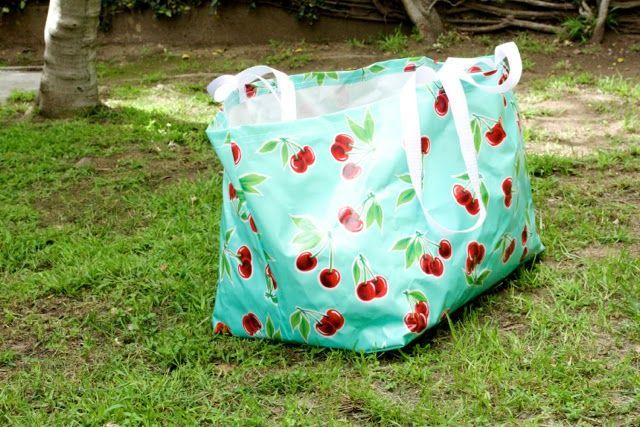 miss make free pdf sewing pattern big blue ikea bag. Black Bedroom Furniture Sets. Home Design Ideas