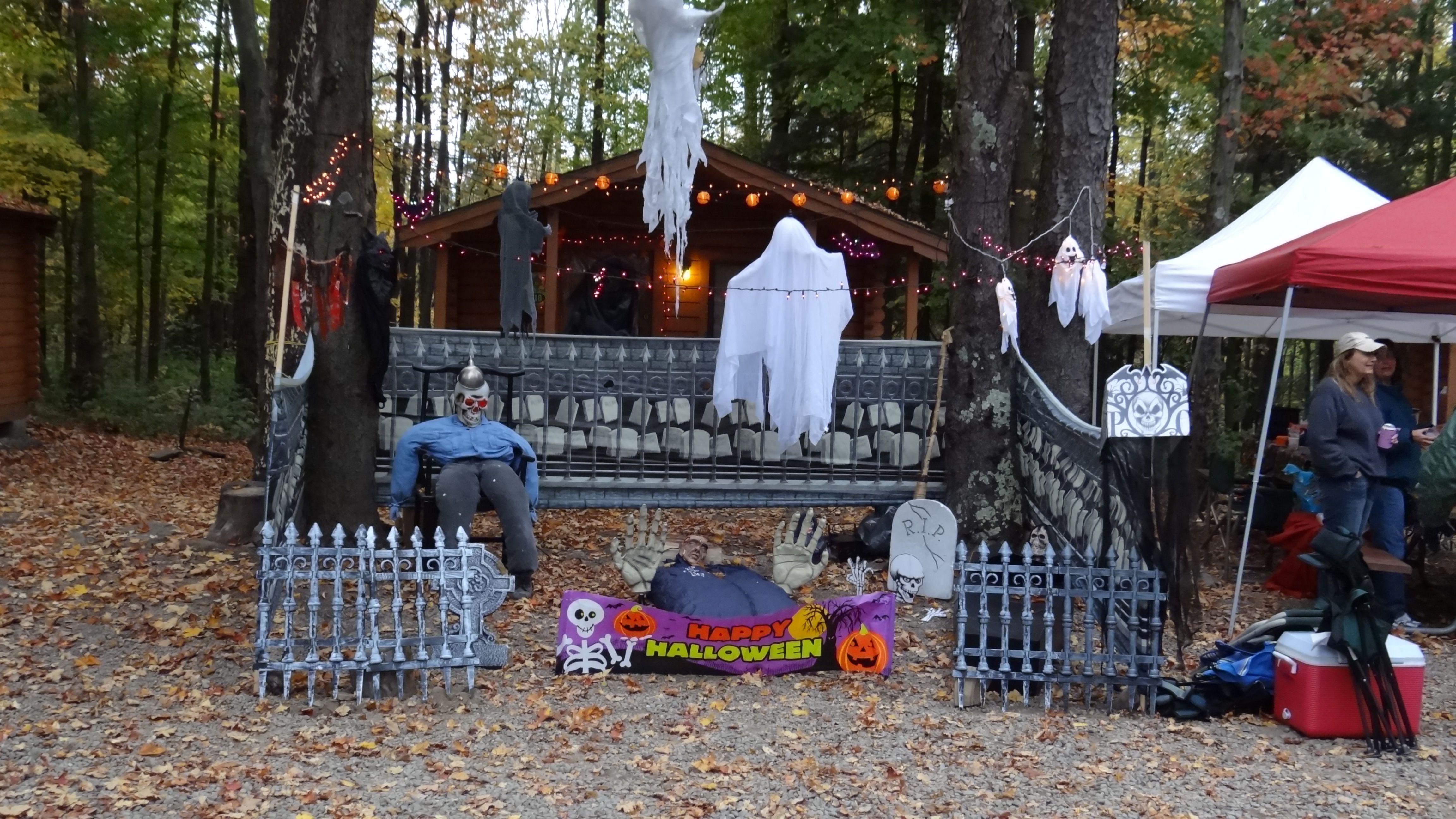 Halloween site decorating at Jellystone Park, Woodridge NY