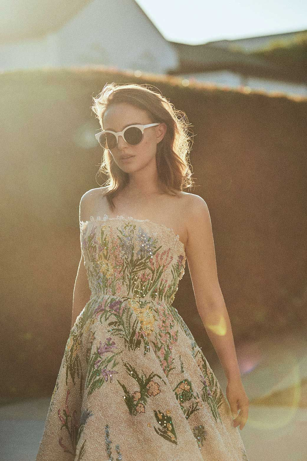 A Behind The Scenes Look At Natalie Portman S Miss Dior Shoot In