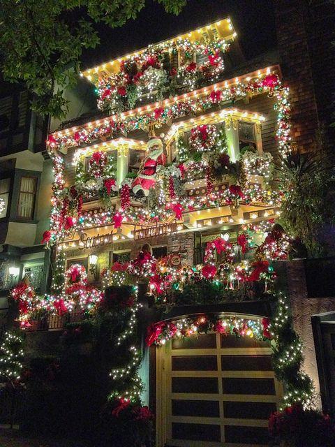 Christmas decorations on castro street san francisco usa by phil dokas xmas yoyeux no l - Weihnachtsdeko aussen usa ...