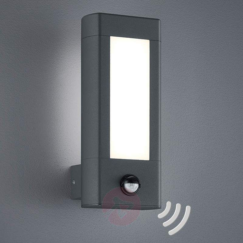 With Motion Detector LED Outdoor Wall Lamp Rhine 9005213 30 IP54 The Sensor Has A Range Of Max Eight Metres And Detection Angle 120