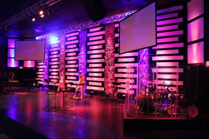 Joey Riggins From Lighthouse Church In Panama City Beach Fl Brings Us This Very Modern Look With Sleek Lines To Church Stage Design Stage Design Church Stage