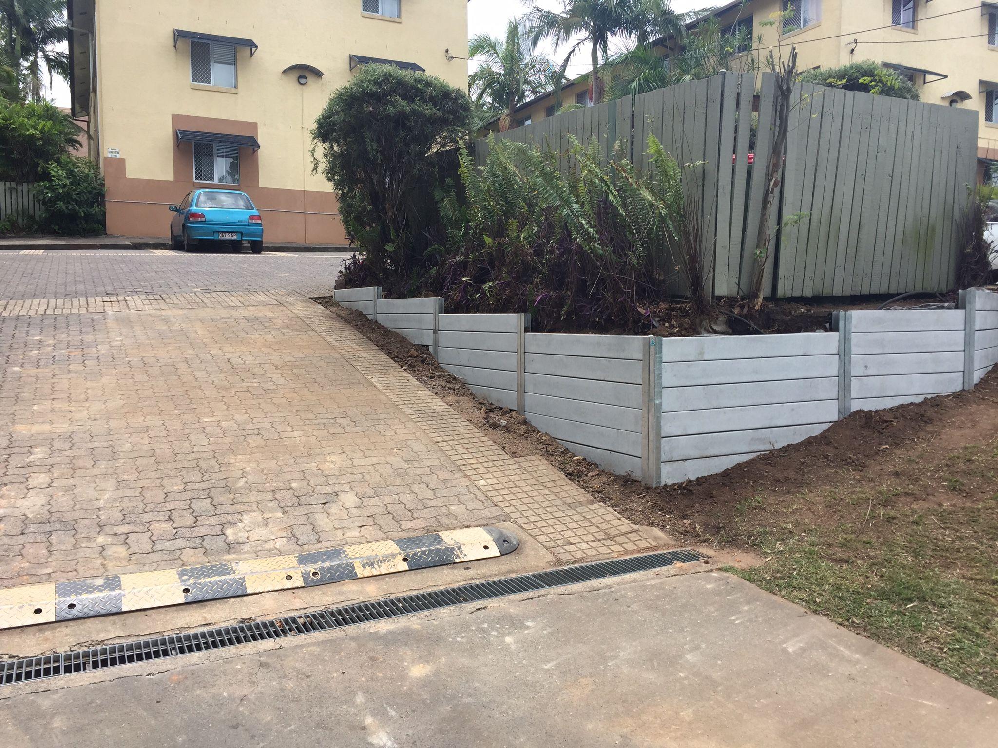 Ridgi Smooth Grey Concrete Sleeper Retaining Wall By