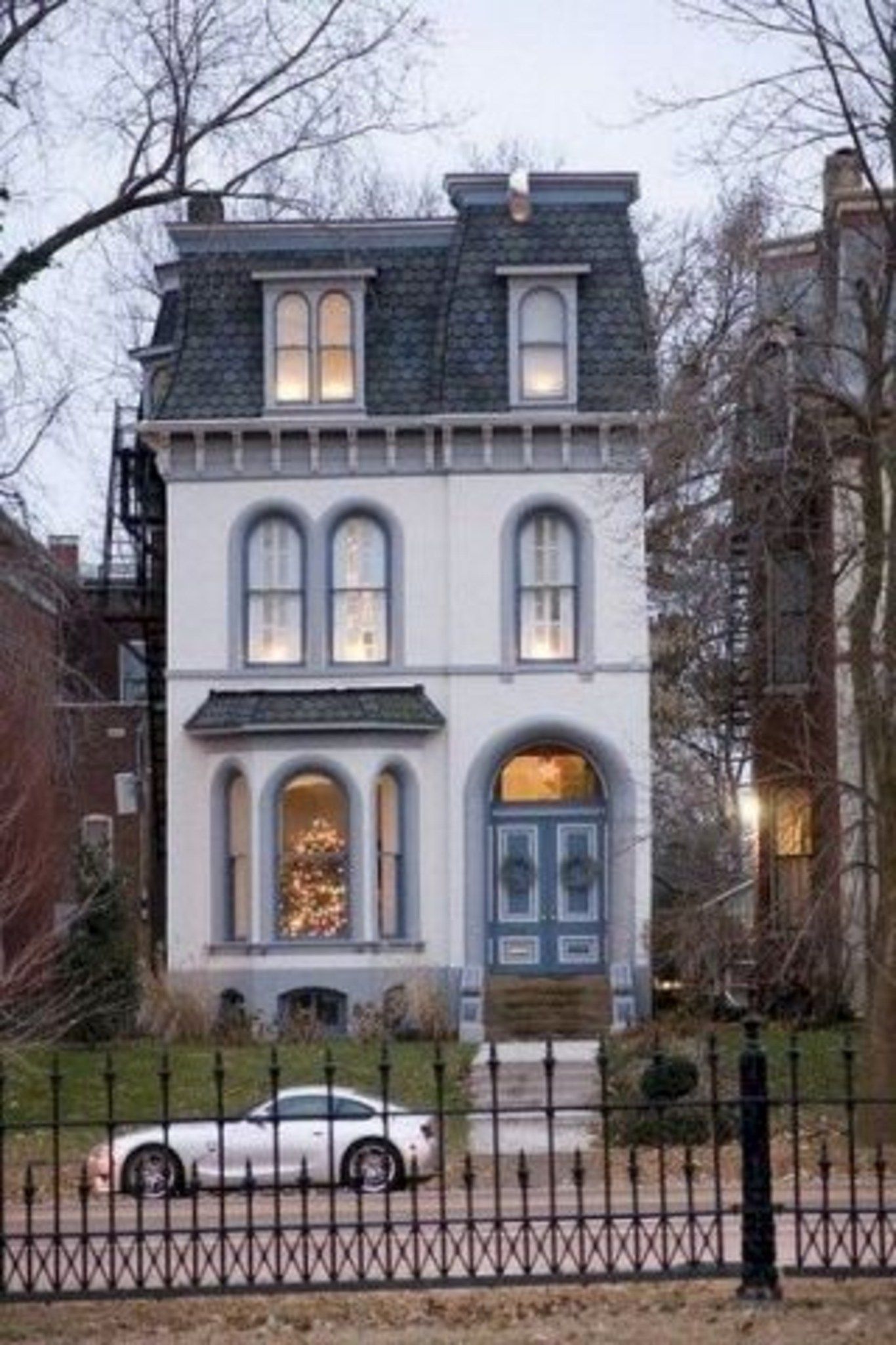 94 Incredible Old Houses Design Ideas for You is part of Victorian house colors -
