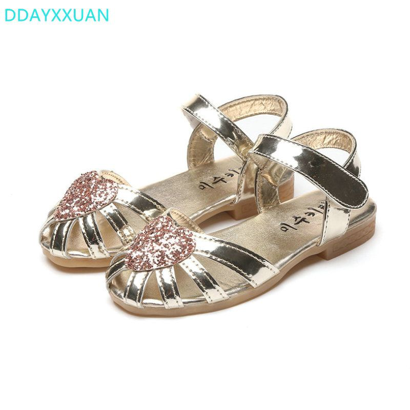 66c390470996 Girls Princess Sandals 2018 New Summer Children Glitter Sandals Kids Girls  Soft Shoes Hearts Square Low-heeled Dress Party Shoes.