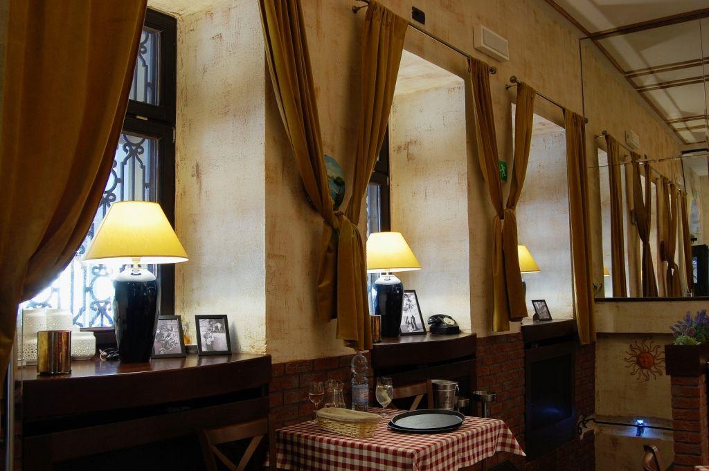 Elegancka Restauracja I Wykwintna Kuchnia O Sole Mio To Kwintesencja Wloskiego Stylu I Smaku Projekt Wnetrza Pracowni Ar Desig Design Interior Home Decor