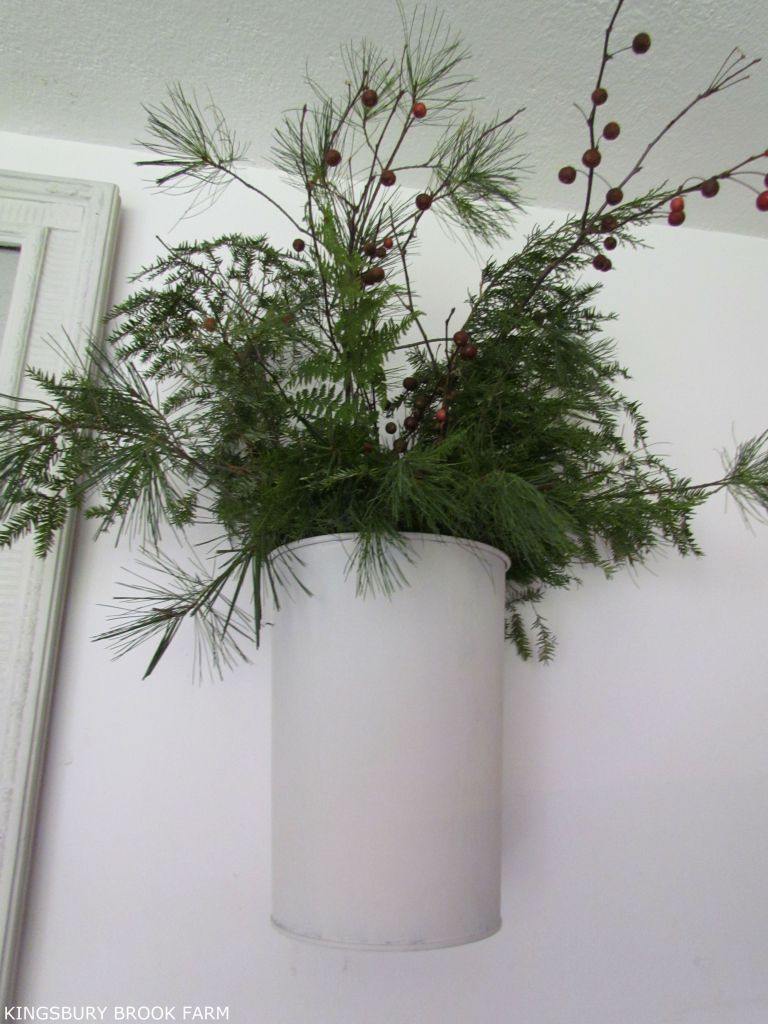 SAP BUCKETS TURNED WALL PLANTERS | Christmas | Christmas decorations on