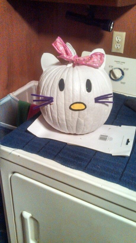 Hello kitty pumpkin decorating idea Fall/Thanksgiving Pinterest - hello kitty halloween decorations