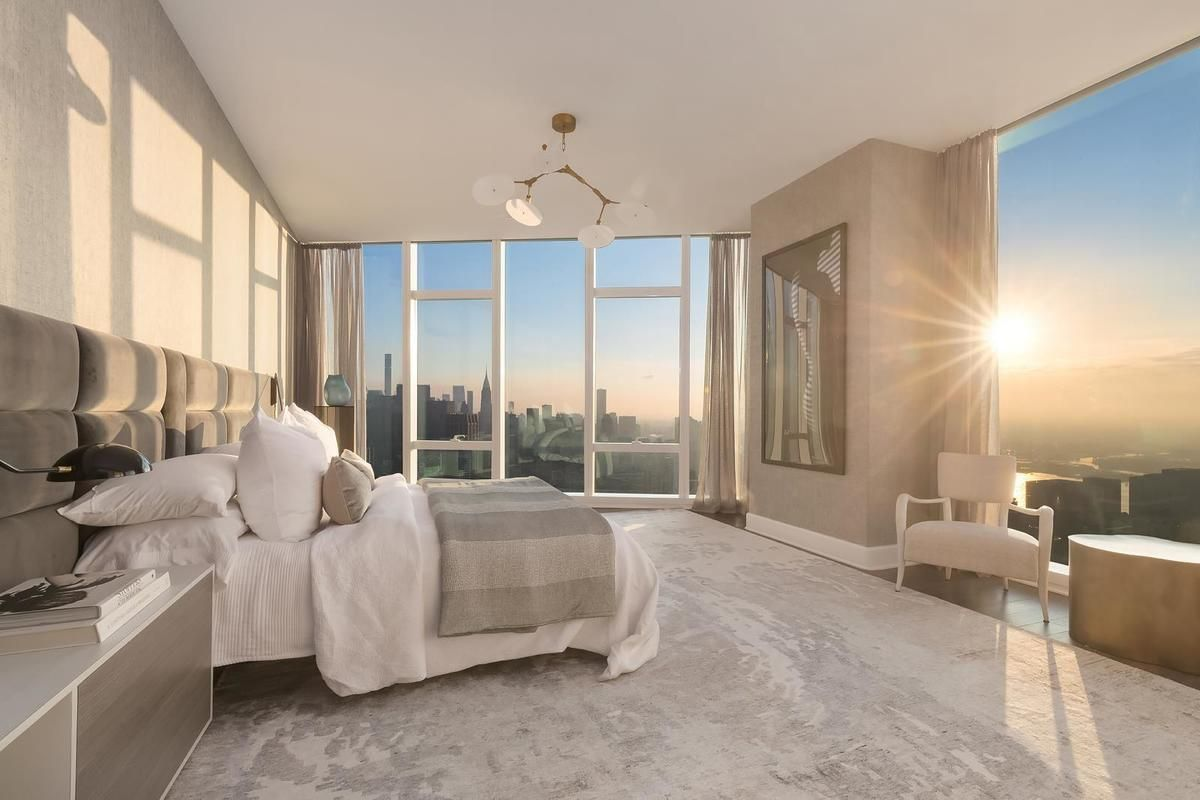 Live In The Lap Of Luxury In These Expansive New York Apartments Luxury Apartment Decor Luxurious Bedrooms New York Apartment Luxury