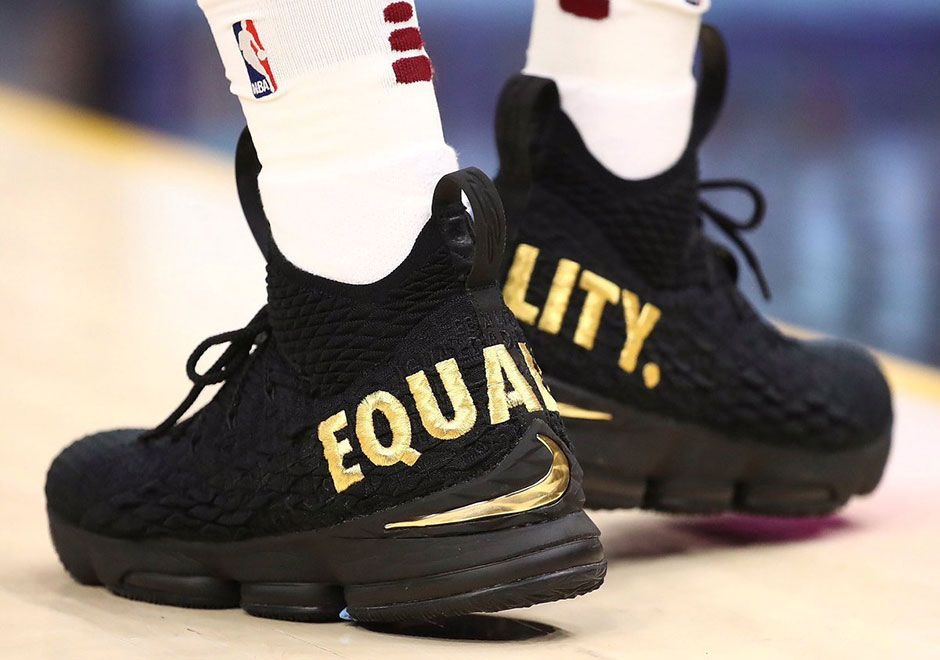 "d138d3a32d63  sneakers  news LeBron James Starts 2017-2018 NBA Season With Nike LeBron 15  ""Equality"" PE"