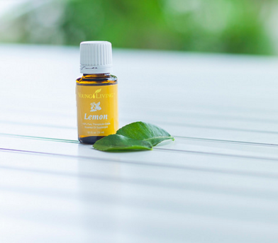 Important Things You Need To Know About Lemon Essential Oil! Visit http://www.aroma-essence.com/en/lemon-essential-oil/