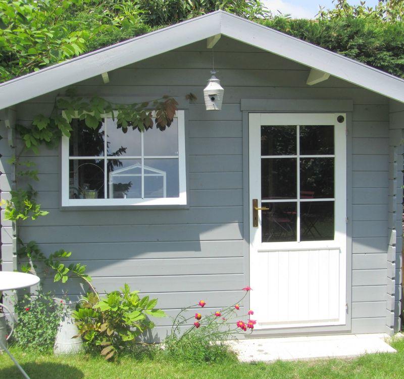 ma cabane sous la margelle abri de jardin abris. Black Bedroom Furniture Sets. Home Design Ideas