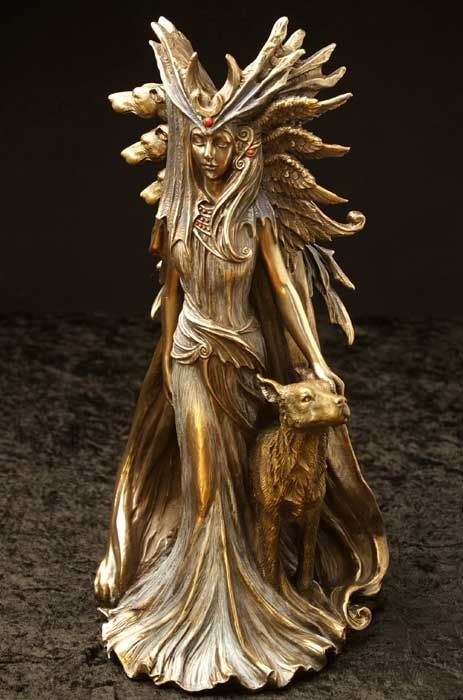 8400 hecate 25cm tall which is almost 10 inches costs