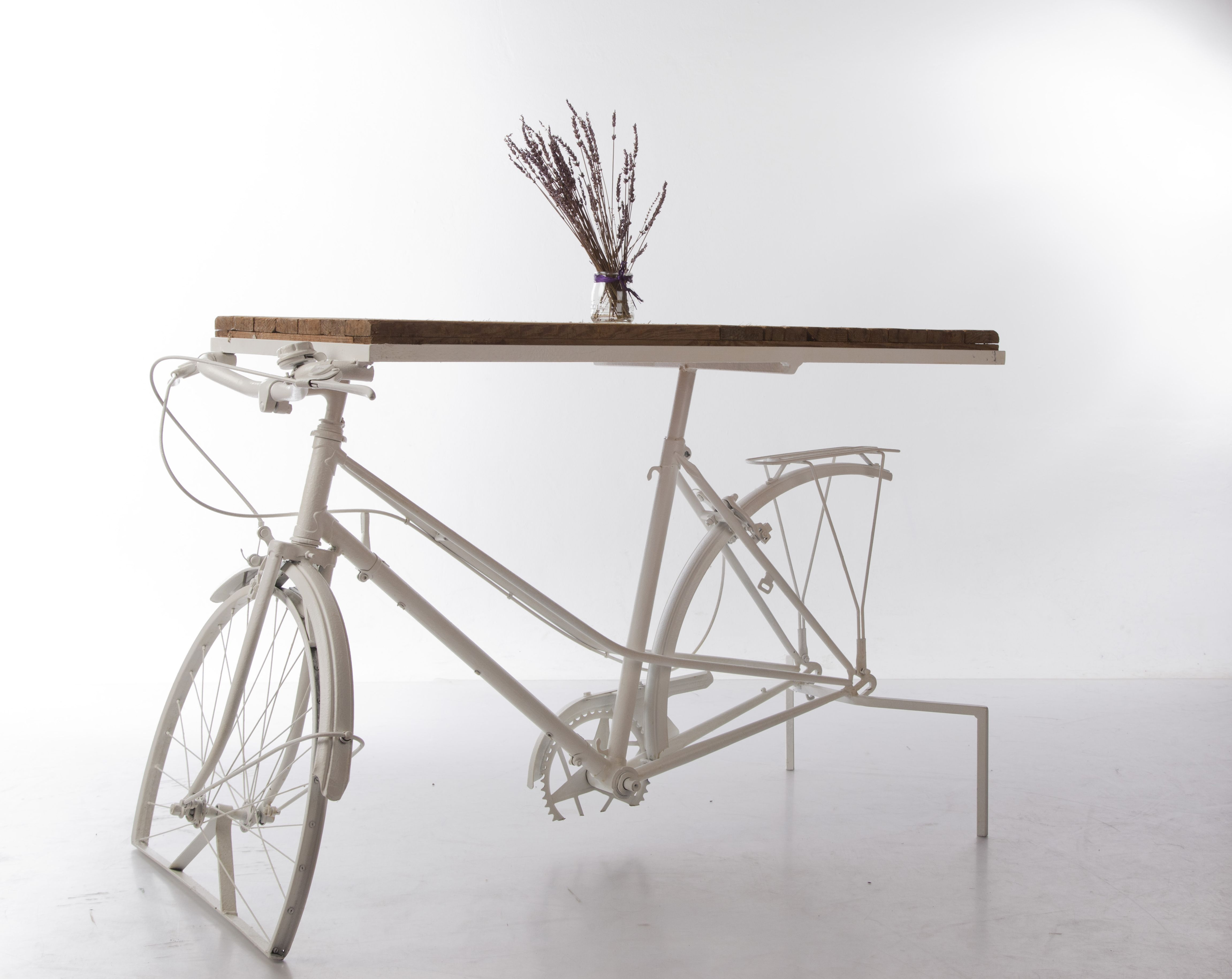 Mesa Con Estructura De Bicicleta I Tarima De Feria Info180graus  # Muebles Bicicleta