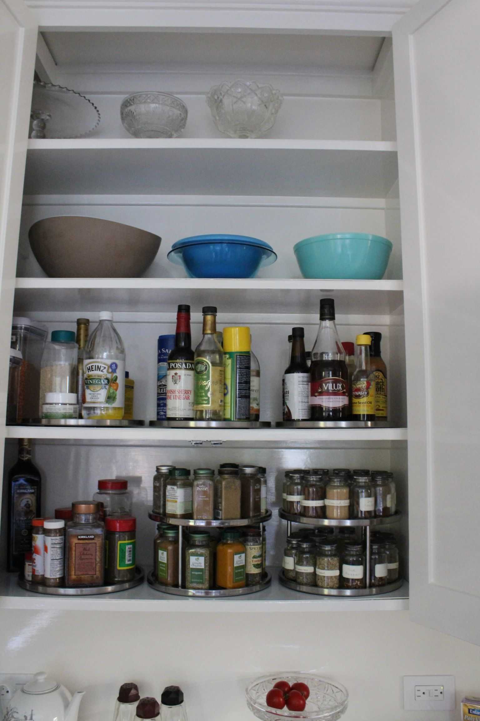organized kitchen lazy susan great use with images kitchen organization kitchen on kitchen organization lazy susan id=44616