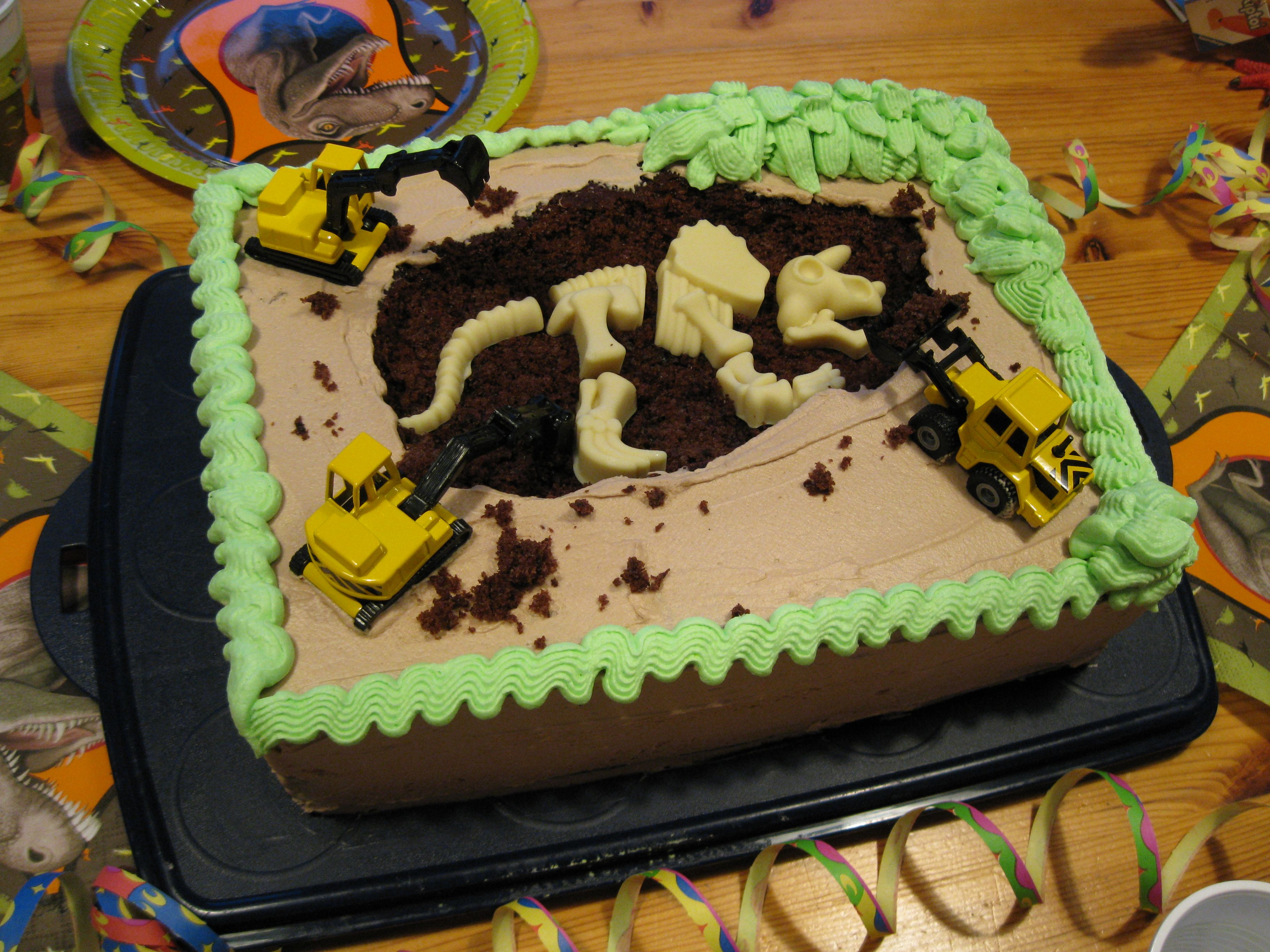 theme motive fancy cake birthday cake dino dinosaur buttercream geburtstagskuchen motiv dino. Black Bedroom Furniture Sets. Home Design Ideas