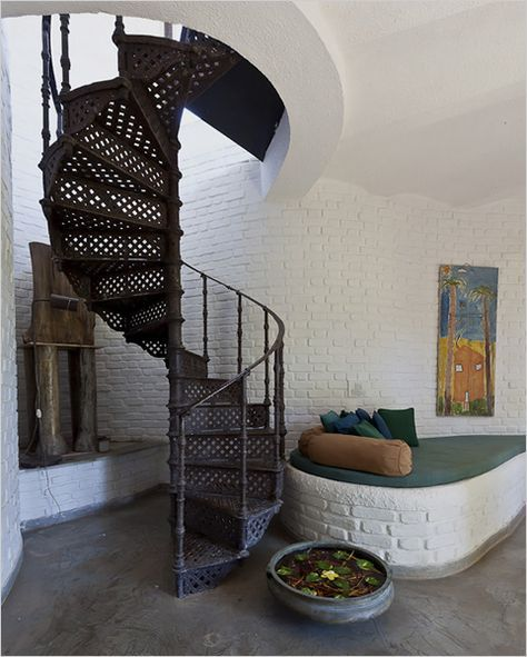 Best 54 Ideas Round Stairs Metal Spiral Staircases In 2020 400 x 300
