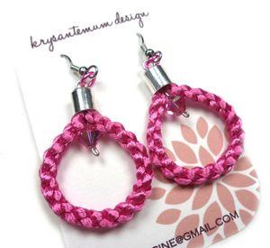 Image of Mørk lilla, rosa eller gule øreringer i sateng, 925S og krystaller - braided earrings
