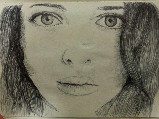 Dibujo rostro femenino