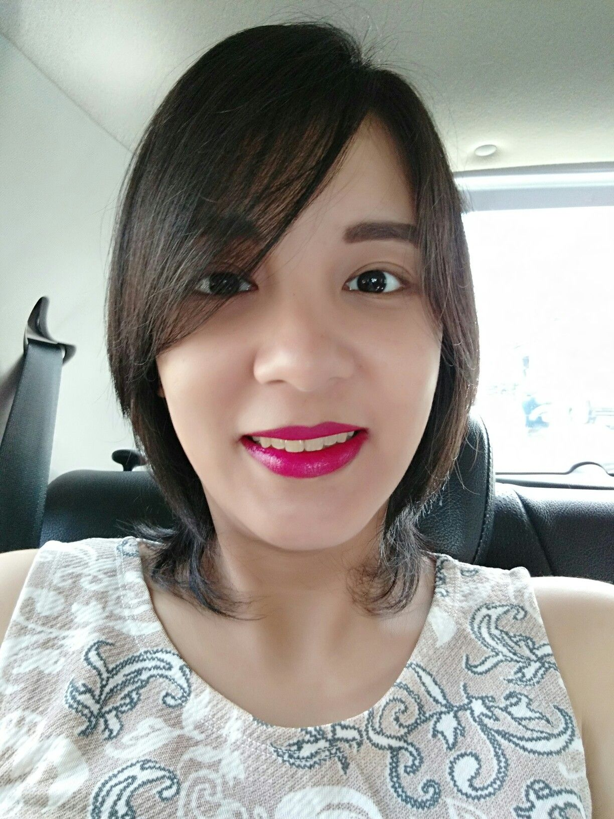 lipstick andalan disaat harus dandan kilat..without