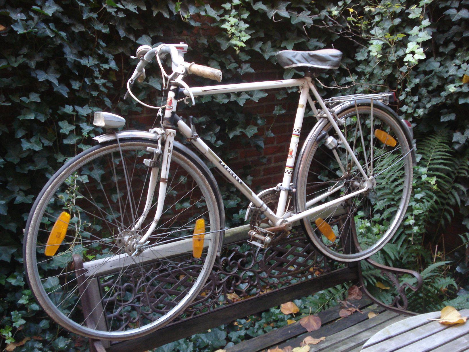 PEUGEOT randonneur oldtimer met lederen IDEALE zadel | De fietsenist ...