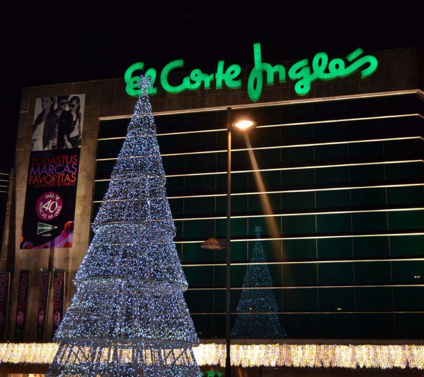 Luces de #Navidad en el #CentroComercial de #Linares, #ElCorteIngles