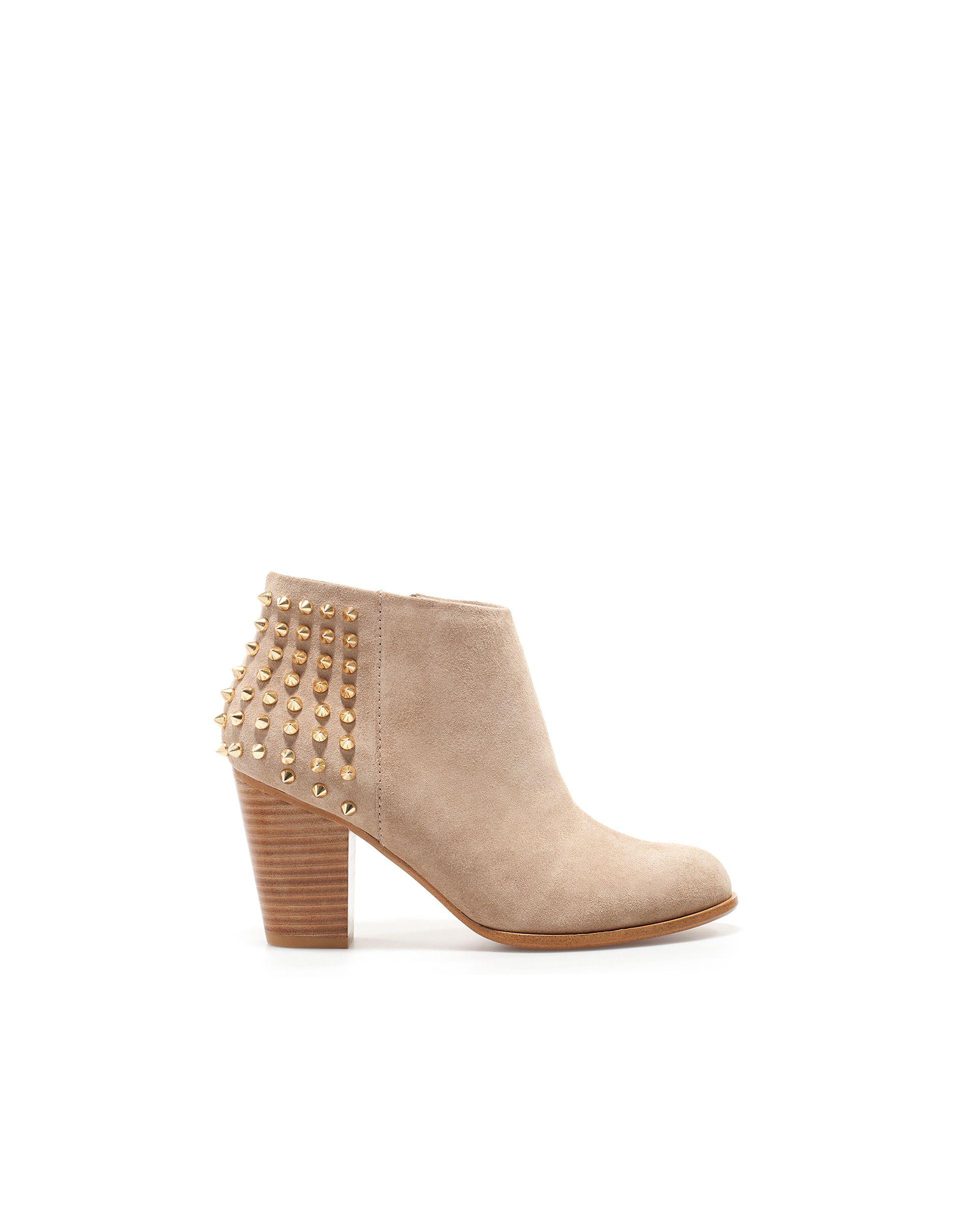 e380028d5ab BOTÍN CAMPERO TACHAS - Zapatos - Mujer - Nueva colección - ZARA México