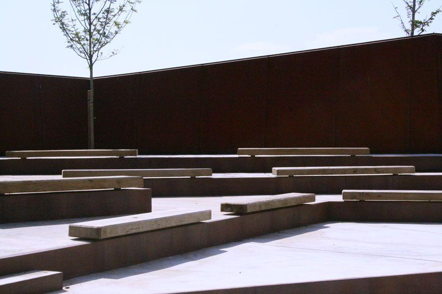 El jard n bot nico de barcelona by bet figueras carlos ferrater and josep llu s canosa parks - Mobiliario jardin barcelona ...